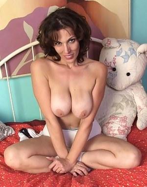 Amateur Moms Porn Pictures